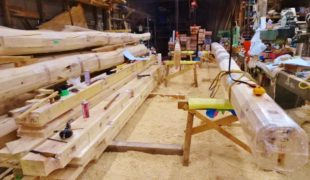 自然素材、熟練職人、墨付け手刻み木組み創健康木造住宅赤松梁手刻み9,23